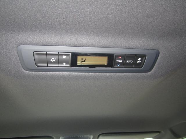 Gi プレミアムパッケージ ブラックテーラード 4WD 寒冷地仕様 トヨタセーフティセンス 両側パワースライドドア ステアリングヒーター シートヒーター クリアランスソナー 7人乗り 登録済未使用車(13枚目)