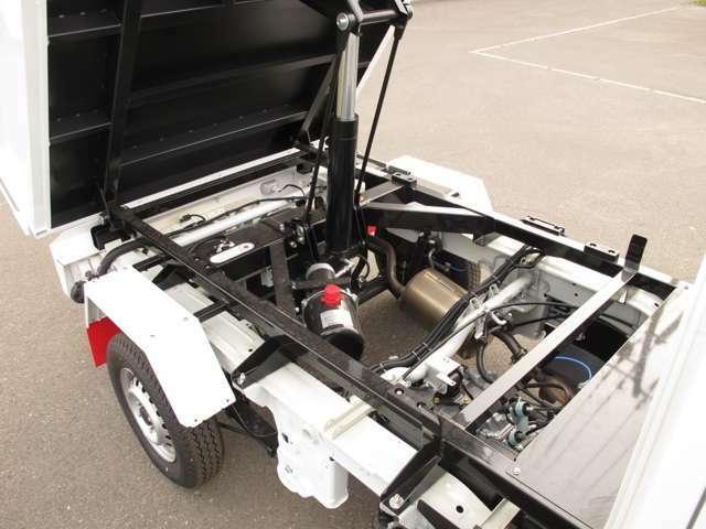 DX ダンプ 4WD 寒冷地仕様 マニュアル5速 エアコン パワステ(10枚目)