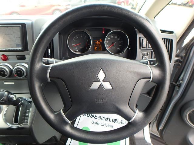 M VSC 左パワードア DVD再生フルセグHDDナビ HID 8人乗り 4WD(11枚目)