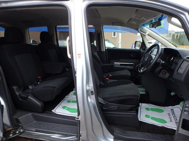 M VSC 左パワードア DVD再生フルセグHDDナビ HID 8人乗り 4WD(17枚目)