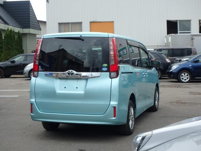 X 7人乗り 4WD ToyotaSafetySenseC 左右パワードア 純正フルセグ8インチナビRカメラ スマートキー ビルトインETC LEDヘッドライト アイドリングストップ 寒冷地仕様車(3枚目)