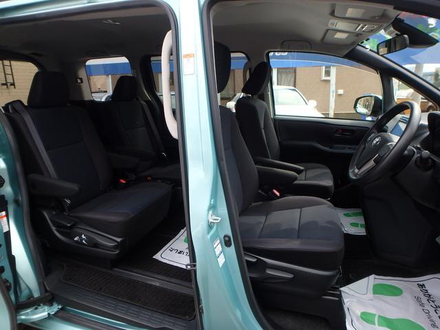 X 7人乗り 4WD ToyotaSafetySenseC 左右パワードア 純正フルセグ8インチナビRカメラ スマートキー ビルトインETC LEDヘッドライト アイドリングストップ 寒冷地仕様車(17枚目)
