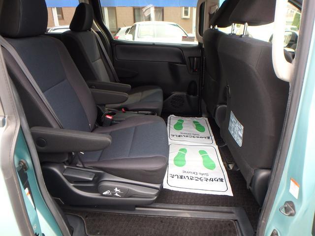 X 7人乗り 4WD ToyotaSafetySenseC 左右パワードア 純正フルセグ8インチナビRカメラ スマートキー ビルトインETC LEDヘッドライト アイドリングストップ 寒冷地仕様車(18枚目)
