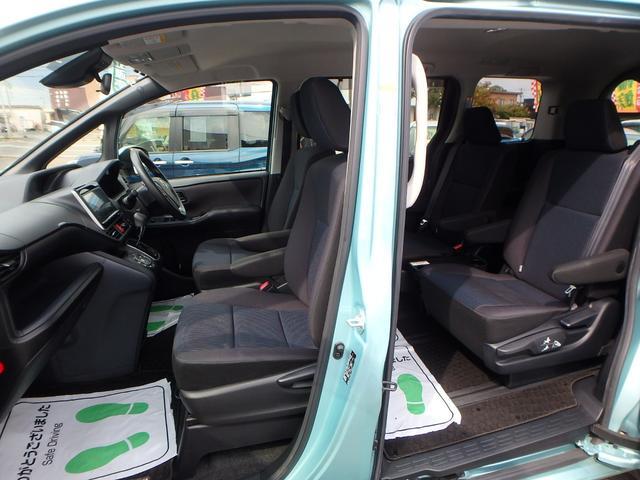 X 7人乗り 4WD ToyotaSafetySenseC 左右パワードア 純正フルセグ8インチナビRカメラ スマートキー ビルトインETC LEDヘッドライト アイドリングストップ 寒冷地仕様車(19枚目)