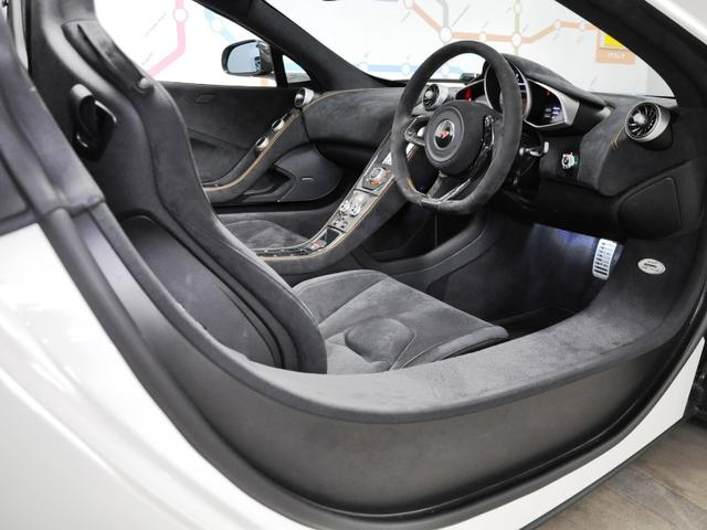 マクラーレン マクラーレン 650S スパイダー カーボンSインテーク Fリフト Pセンサー D車