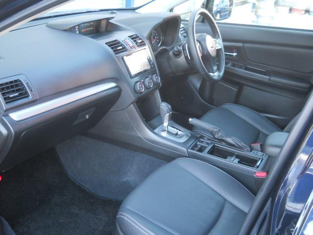 スバル インプレッサスポーツ 2.0i 4WD アイサイト 黒レザーシート ナビTV