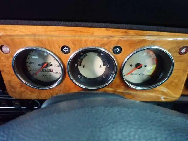 クーパー HILOKIT ミラー ヘリテイジカラー ウッドパネル ウッドハンドルシリーズ ルーキマフラー ツインウォシャーノズル メッキワイパー 同色オーバーフェンダー(17枚目)