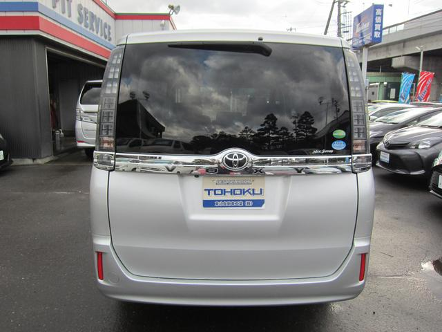 トヨタ ヴォクシー X 2.0 4WD 社外メモリーナビ アイドリングストップ