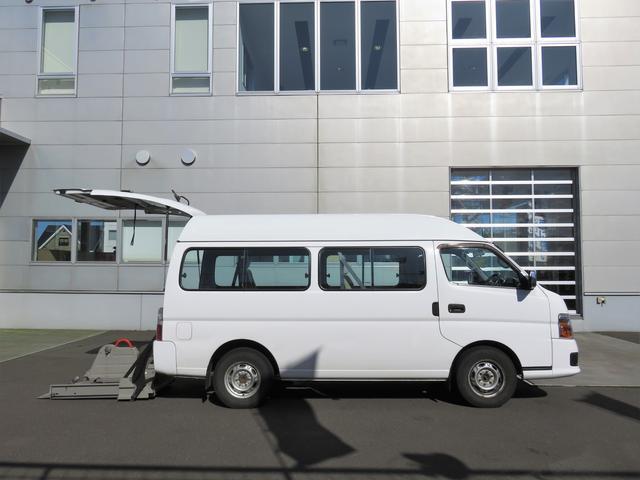 チェアキャブ 車いす仕様車 4WD 車いす2台 10人乗り(5枚目)