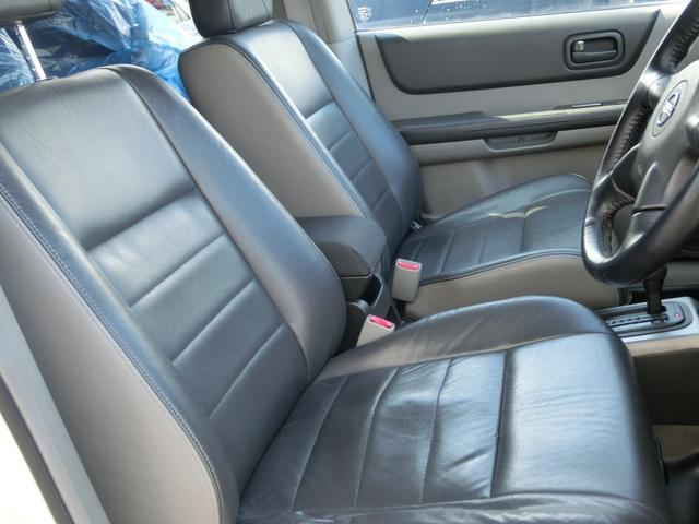 日産 エクストレイル Xtt 4WD 2インチアップ 1年走行距離無制限無料保証