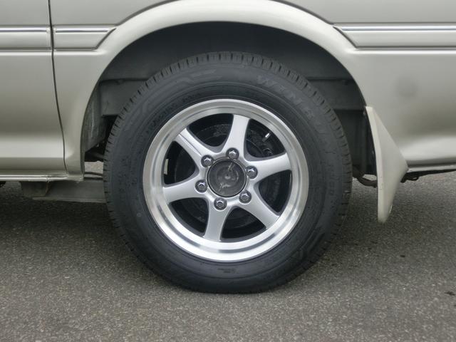 トヨタ ハイエースワゴン スーパーカスタムリミテッド トリプルムーンルーフ 4ナンバー