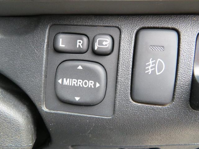 GLタイプの電動格納ドアミラーにフォグランプスイッチ