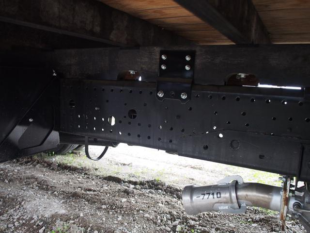いすゞ フォワード 4段ラジコンフックイン 2750kg積 6MT クレーン付