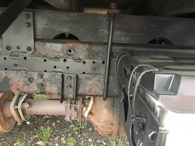 いすゞ フォワード 5段ラジコンフックイン ベッド付 アルミアオリ クレーン付