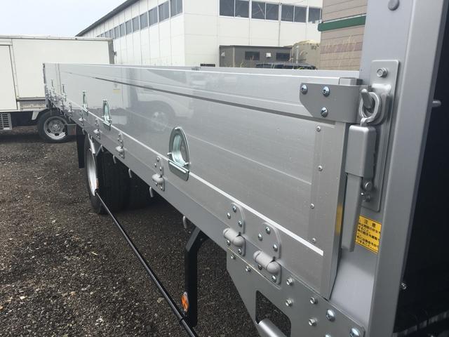 いすゞ フォワード 2050Kg積 6段ラジコン クレーン付