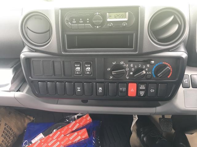日野 デュトロ 2t セミロングWキャブ全低床 平ボディ 4WD Pゲート