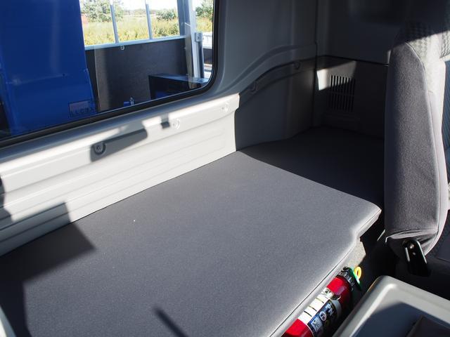 いすゞ フォワード 7.8t積 4段ラジコン 増トン ロングジャッキ クレーン付