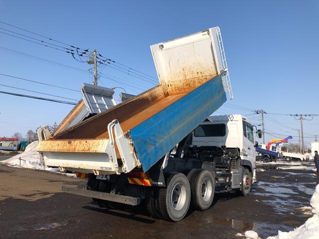 UDトラックス クオン 6MT フル装備 ベット付