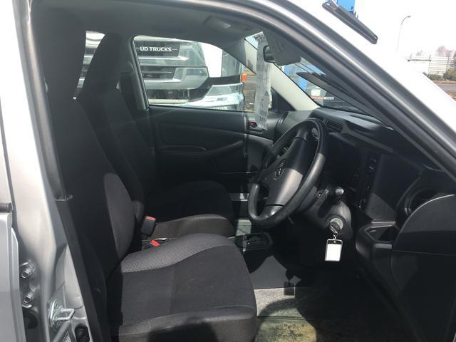 UL 4WD オートマチック 夏/冬タイヤ付き(10枚目)
