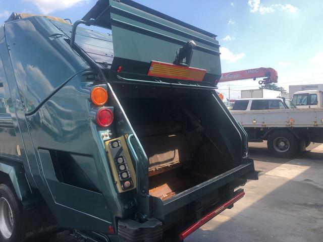 1650kg新明和プレス式塵芥車8.6立米(8枚目)