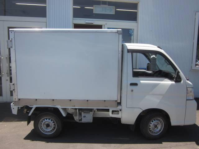 スペシャル保冷車 4WD(3枚目)
