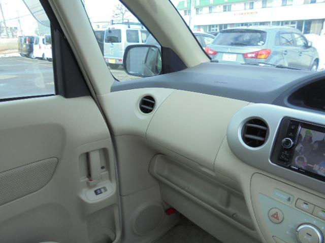 トヨタ ポルテ 150i Cパッケージ 4WD