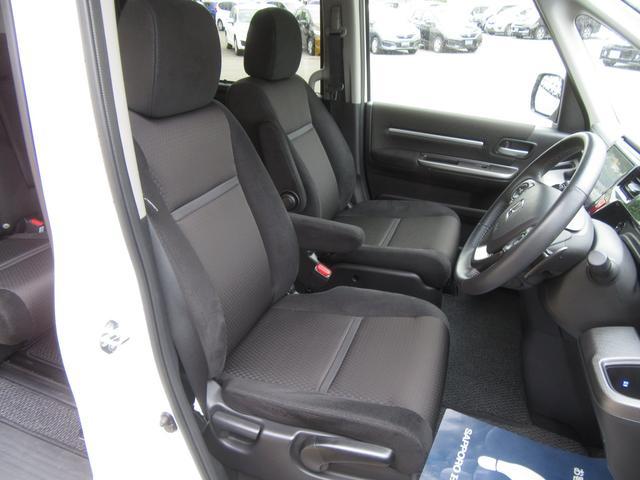 シートアジャスター☆運転席は高さ調整が可能です☆お好みのポジションで運転でき体への負担軽減繋がります☆