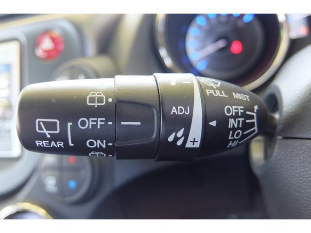 ホンダ フィットハイブリッド RS パドルシフト付オートマ 純正ナビ バックカメラ VSA