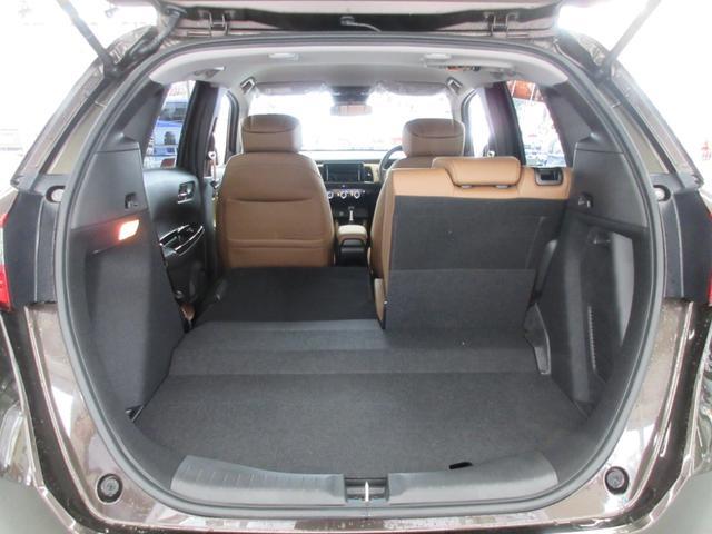 e:HEVリュクス 4WD ホンダセンシング ホンダコネクト フルLEDヘッドライト シートヒーター ステアリングヒーター アームレスト付センターコンソールボックス Qi規格ワイヤレス充電器 本革ブラウン内装(57枚目)