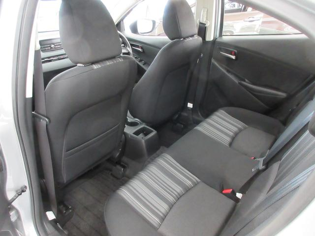 13C 4WD 衝突軽減ブレーキ レーンキープアシスト 冬タイヤ付き 寒冷地 アイドリングストップ オートライト クリアランスソナー ブラインドスポットモニター ETC車載器 純正CD USB接続可(43枚目)