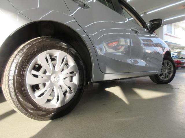 13C 4WD 衝突軽減ブレーキ レーンキープアシスト 冬タイヤ付き 寒冷地 アイドリングストップ オートライト クリアランスソナー ブラインドスポットモニター ETC車載器 純正CD USB接続可(65枚目)
