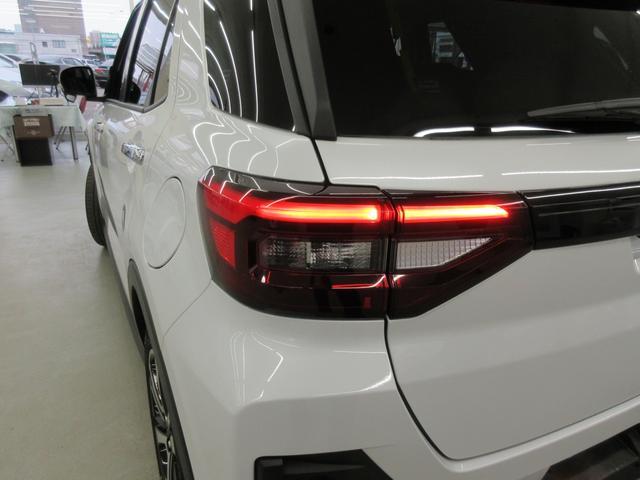 プレミアム 4WD 9インチナビ 寒冷地仕様 バックフォグ ドラレコ BSM プリクラッシュセーフティ シートヒーター(14枚目)