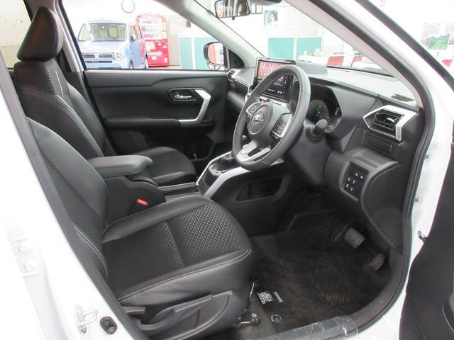 プレミアム 4WD 9インチナビ 寒冷地仕様 バックフォグ ドラレコ BSM プリクラッシュセーフティ シートヒーター(34枚目)
