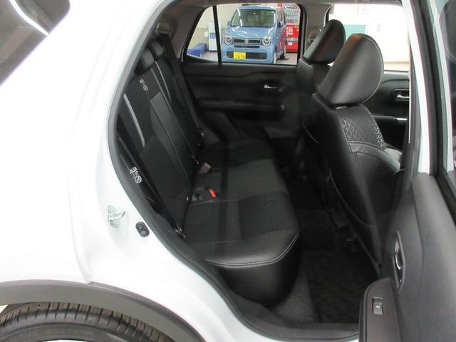 プレミアム 4WD 9インチナビ 寒冷地仕様 バックフォグ ドラレコ BSM プリクラッシュセーフティ シートヒーター(41枚目)