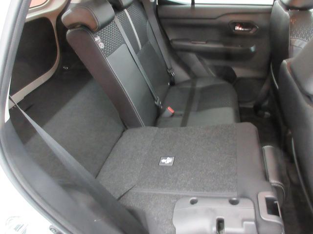プレミアム 4WD 9インチナビ 寒冷地仕様 バックフォグ ドラレコ BSM プリクラッシュセーフティ シートヒーター(43枚目)