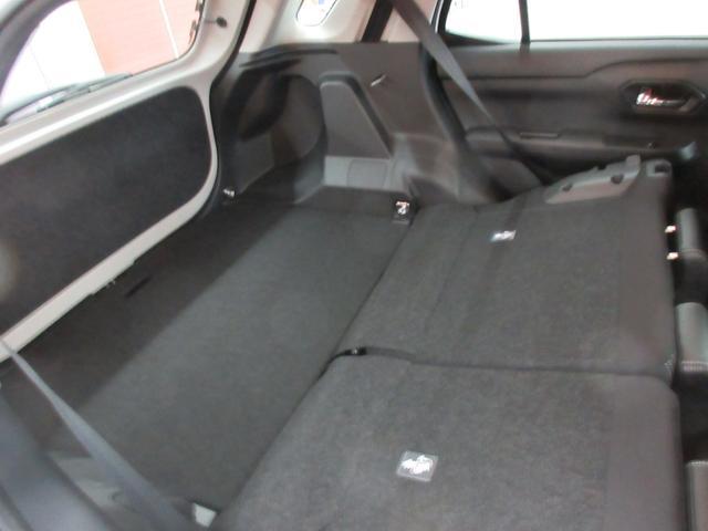 プレミアム 4WD 9インチナビ 寒冷地仕様 バックフォグ ドラレコ BSM プリクラッシュセーフティ シートヒーター(44枚目)