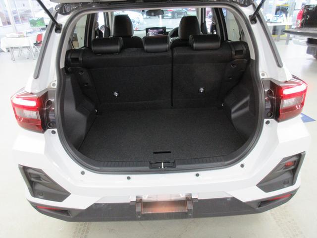 プレミアム 4WD 9インチナビ 寒冷地仕様 バックフォグ ドラレコ BSM プリクラッシュセーフティ シートヒーター(45枚目)
