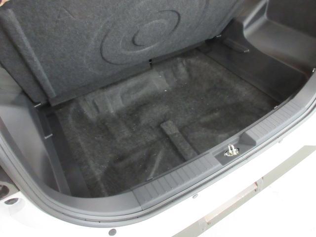 プレミアム 4WD 9インチナビ 寒冷地仕様 バックフォグ ドラレコ BSM プリクラッシュセーフティ シートヒーター(47枚目)