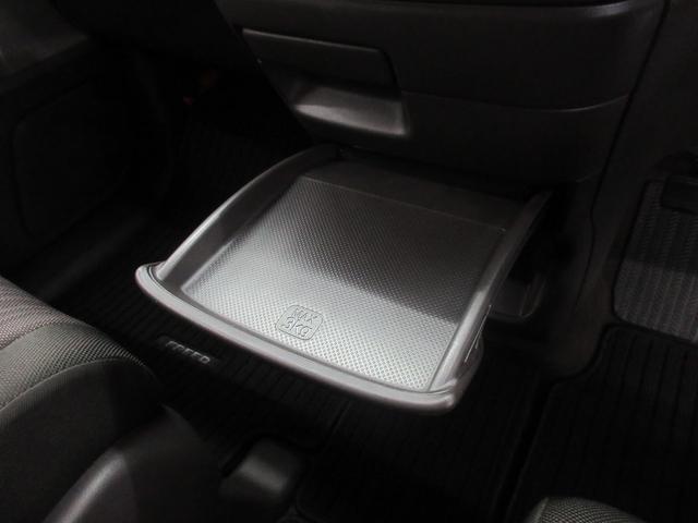 G 4WD ナビ バックカメラ CD 横滑り防止 シートヒーター アイドリングストップ 左パワスラ イモビライザー ETC フロントワイパー熱線(17枚目)