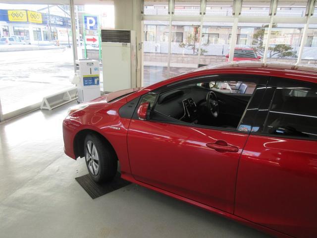 Sツーリングセレクション 4WD 横滑り防止 LEDライト スマートキー シートヒーター オートライト アイドリングストップ プライバシーガラス イモビライザー(9枚目)