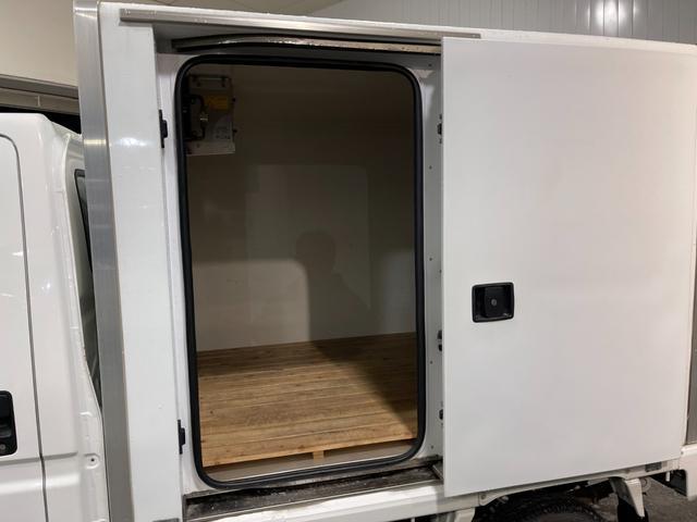 冷凍車 4WD マニュアル車 R型左側スライド扉(40枚目)