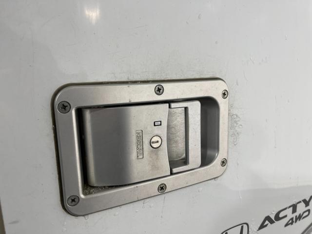 冷凍車 4WD マニュアル車 R型左側スライド扉(42枚目)