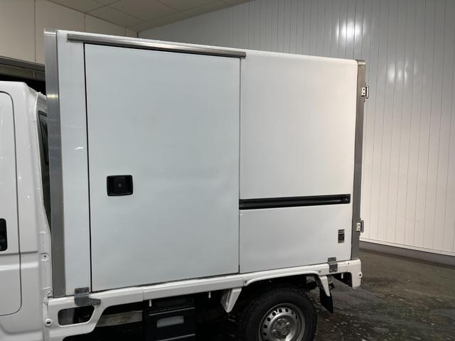 冷凍車 4WD マニュアル車 R型左側スライド扉(79枚目)