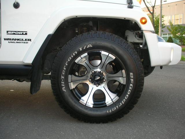 クライスラー・ジープ クライスラージープ ラングラーアンリミテッド スポーツDickブラック17AタイヤHDDナビ地デジホワイト