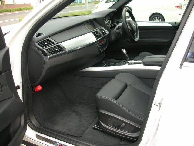 豪華装備のブラック本革レザーシート35iMスポーツPKにインダッシュDVDチェンジャー装備です