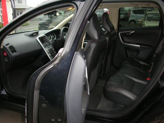 助手席ともパワーシート、サイドエアバック完備で安全性充実のDVDナビインダッシュの上級搭載です、バックカメラ装備