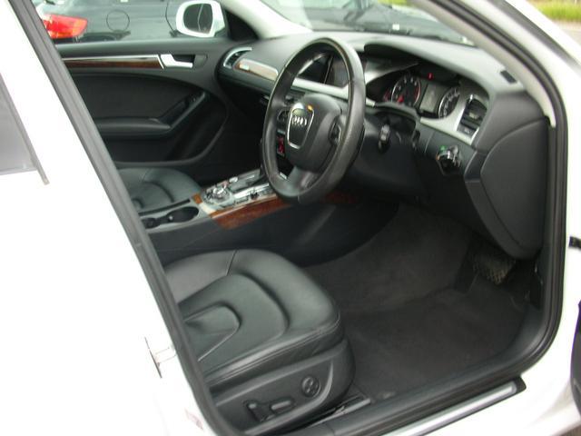 A4セダンタイプの6エアバックで安全コンパクトな疲れ知らずのドライビングSラインハーフパワーシートです、