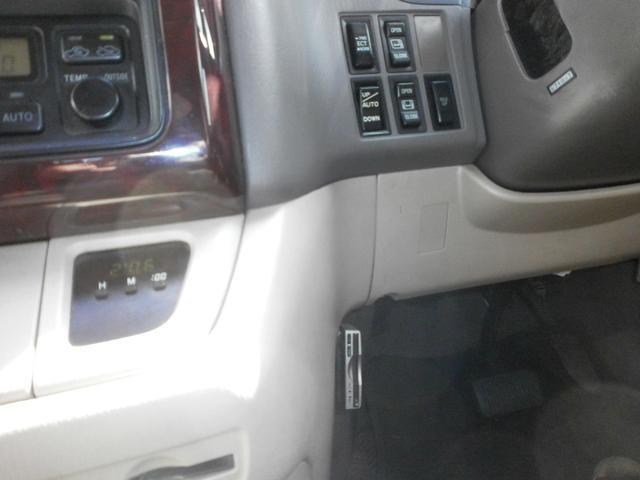 トヨタ グランドハイエース G 3.0DT 4WD HID エンジンスターター