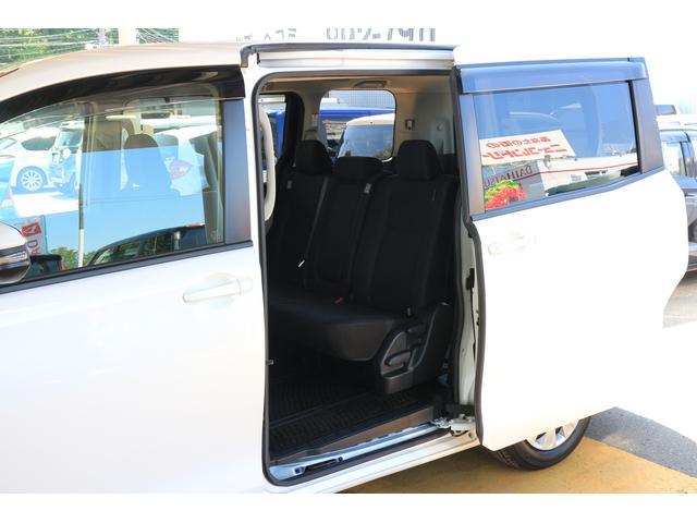 トヨタ ヴォクシー 車椅子仕様スロープタイプ2 4WDニールダウン 夏冬タイヤ付