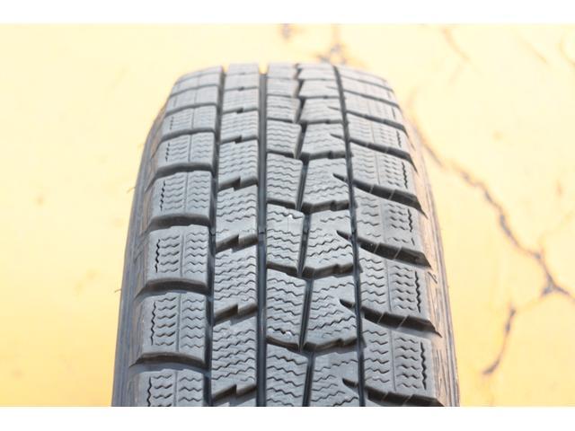 タイヤには溝が残っています。